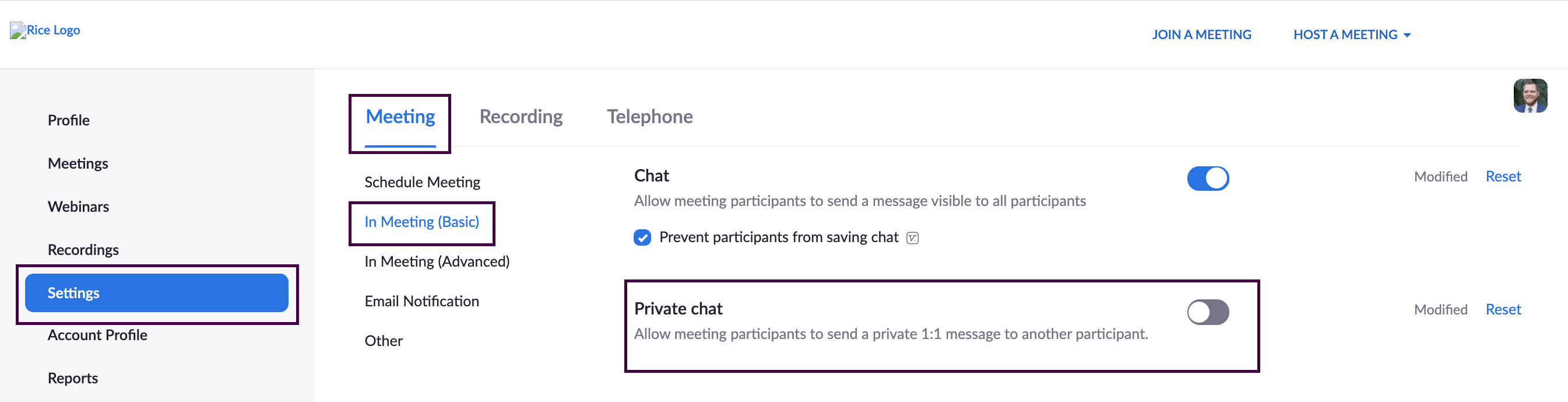 Zoom meeting settings with 'Private chat' disabled.